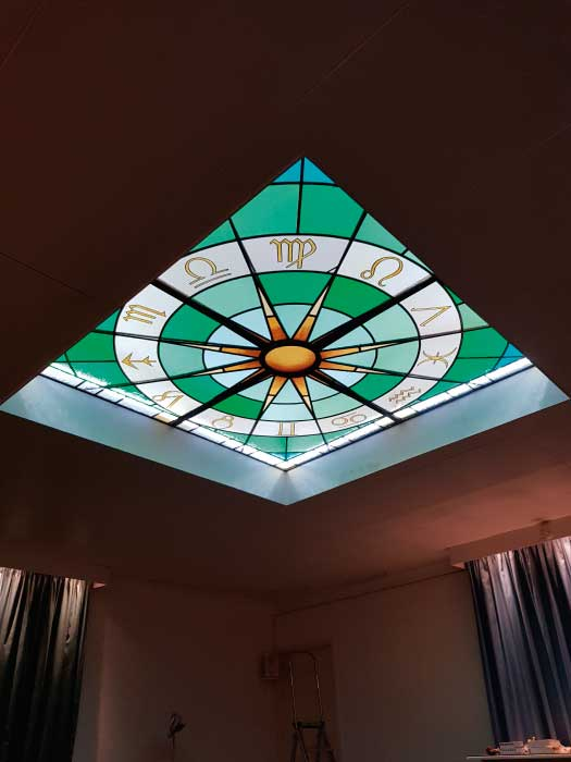 V26 VICTORIAN STAINED GLASS