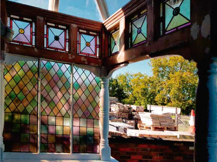 V43 VICTORIAN STAINED GLASS