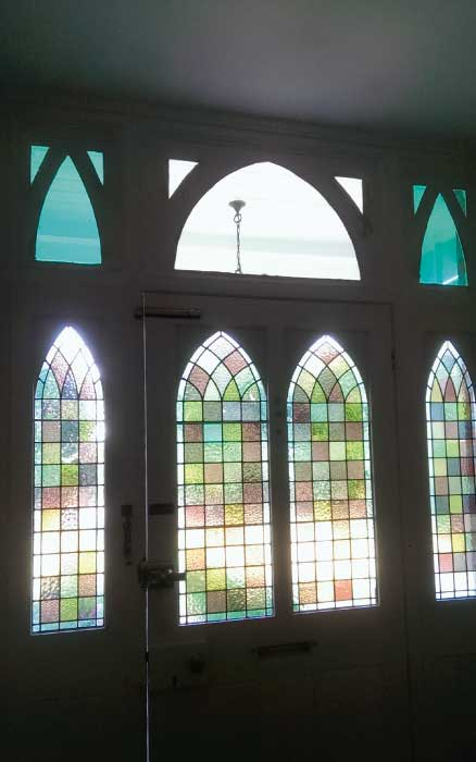 V11 VICTORIAN STAINED GLASS