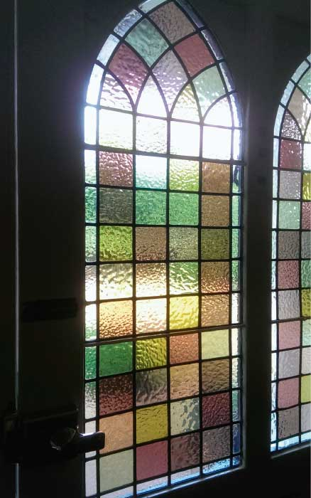 V12 VICTORIAN STAINED GLASS