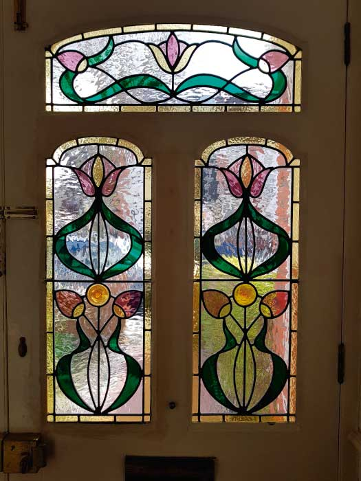 E32 EDWARDIAN STAINED GLASS
