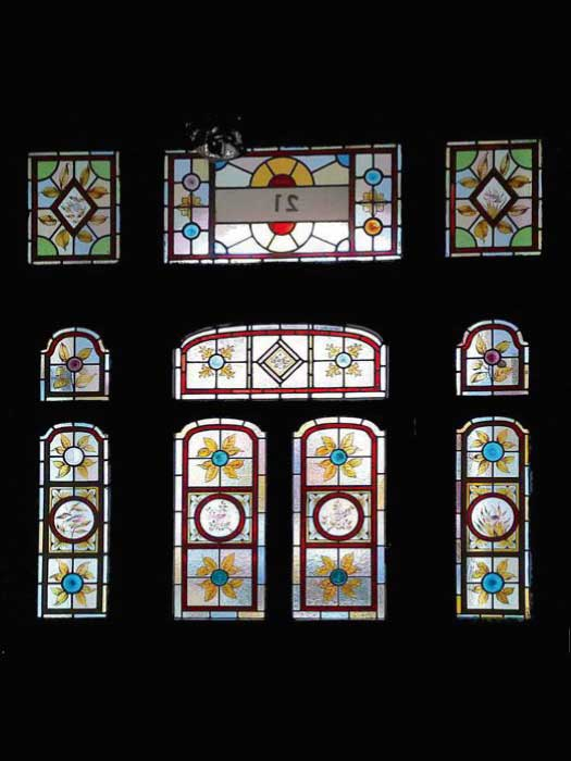 V10 VICTORIAN STAINED GLASS