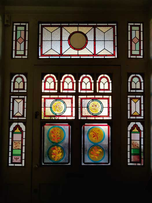 V44 VICTORIAN STAINED GLASS