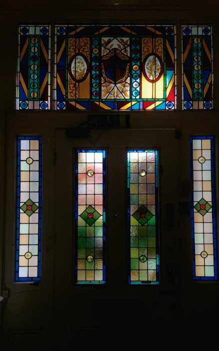 V22 VICTORIAN STAINED GLASS
