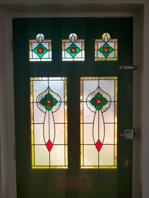 E39 EDWARDIAN STAINED GLASS