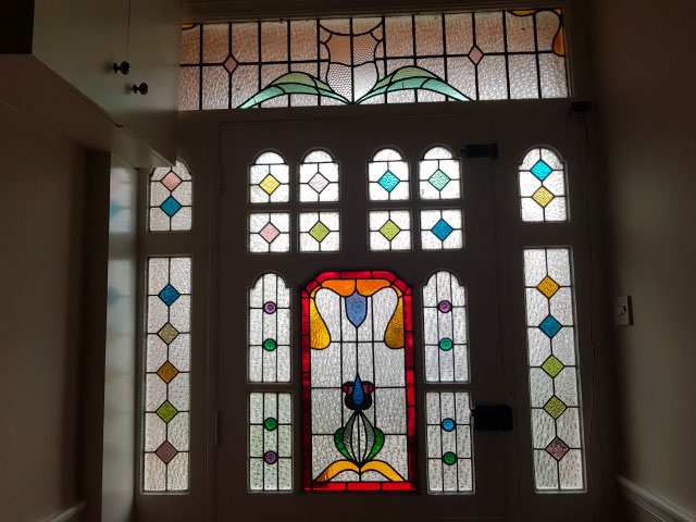 E43 EDWARDIAN STAINED GLASS