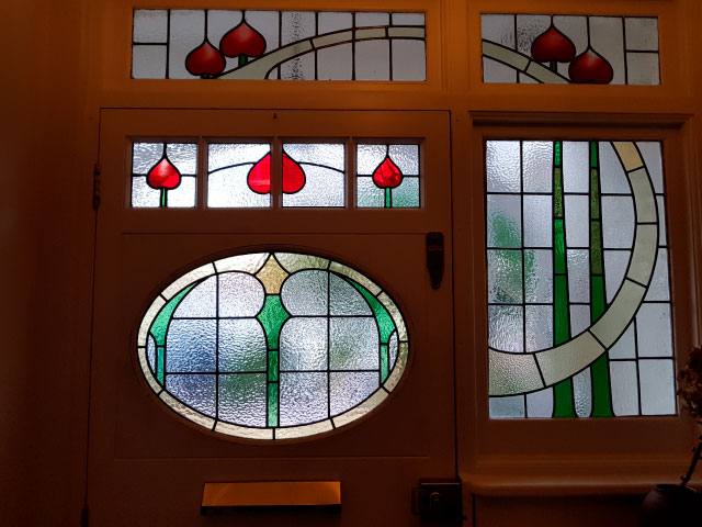 E44 EDWARDIAN STAINED GLASS