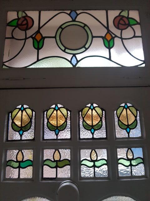 E45 EDWARDIAN STAINED GLASS