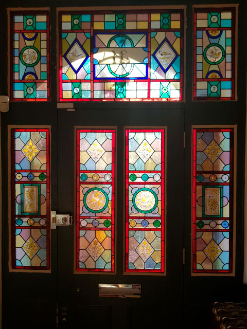 V47 VICTORIAN STAINED GLASS