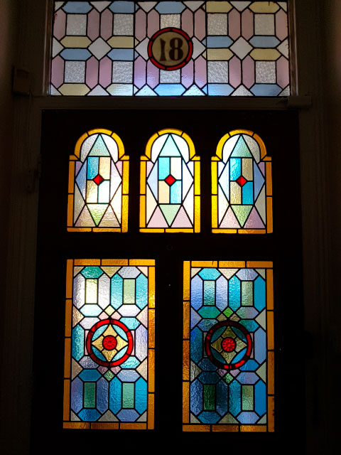 V49 VICTORIAN STAINED GLASS