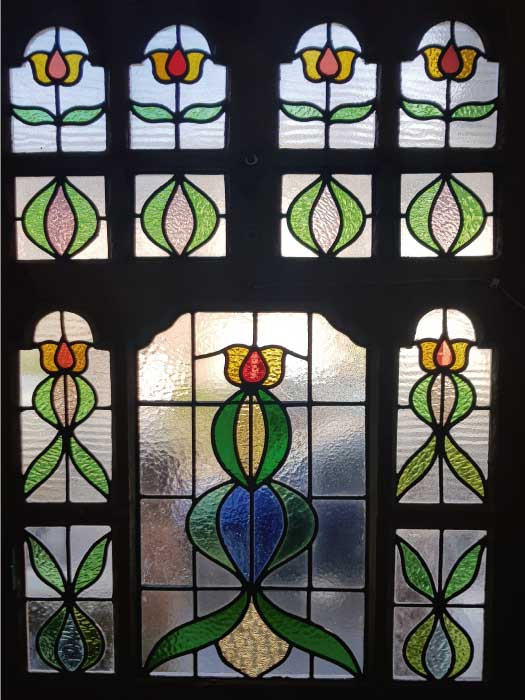 E49 EDWARDIAN STAINED GLASS