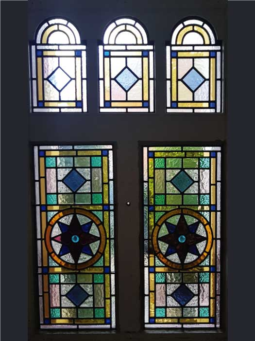 V56 VICTORIAN STAINED GLASS