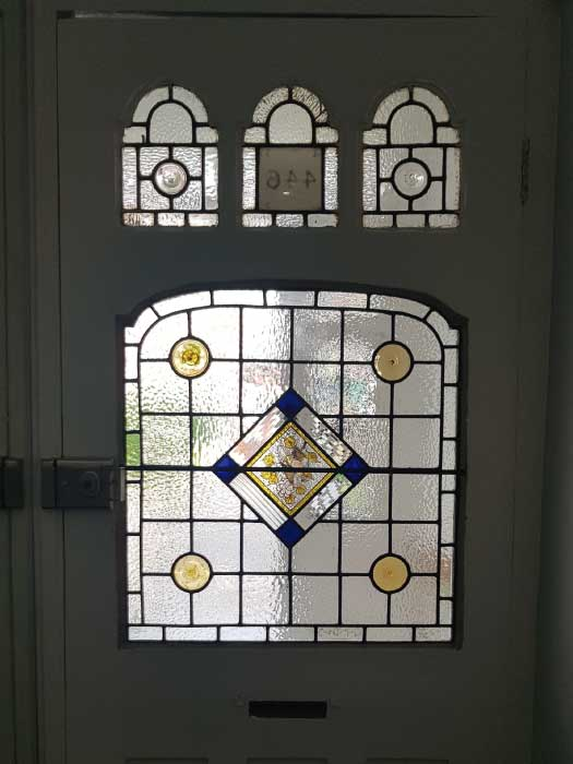 V62 VICTORIAN STAINED GLASS