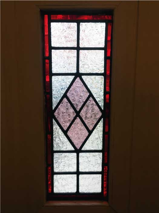V69 VICTORIAN STAINED GLASS